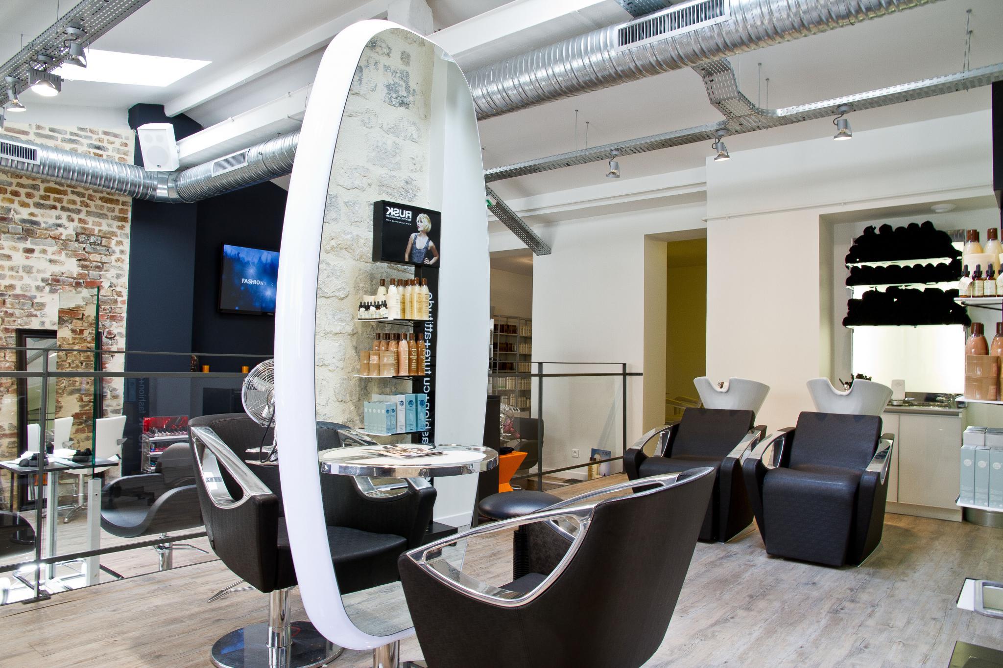 Aec r alisation nos realisations for Salon de coiffure paris 8